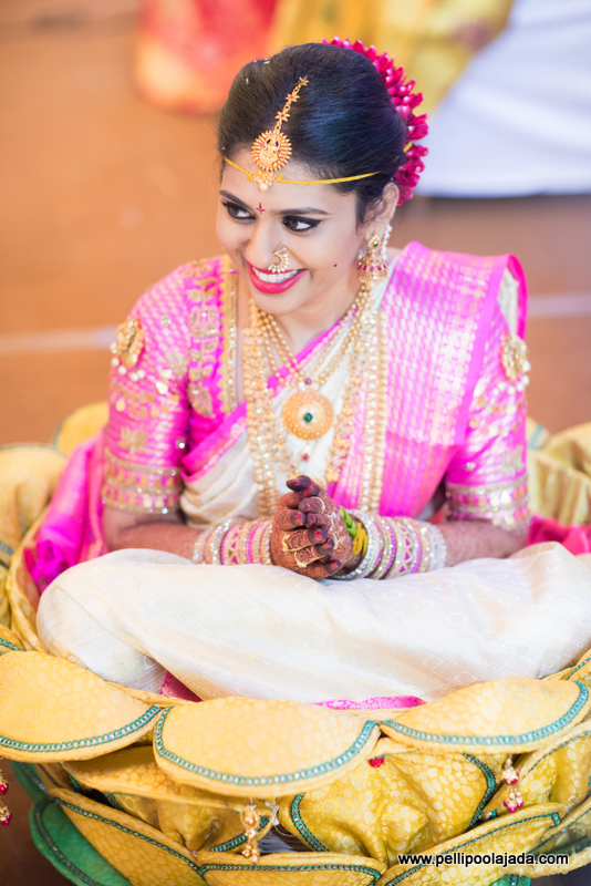 Bride in Pellipoolajada